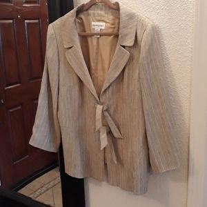 Bloomingdale's Beige Pattern Suit Jacket w Ties